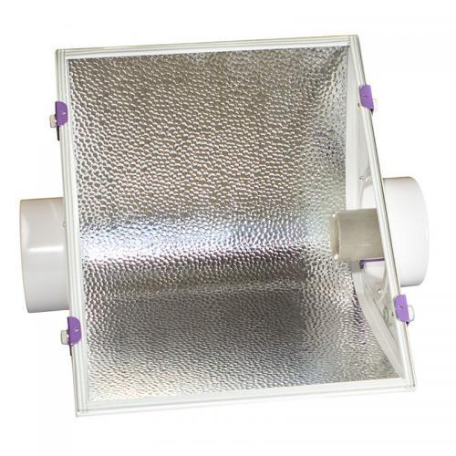 светильник CoolMaster GipoLite 150 используется с лампами ДНАТ, ДРИ. Светильник-моноотражатель для гроутентов.