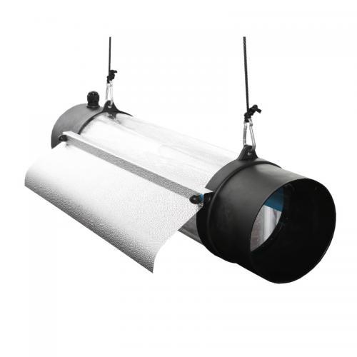 Светильник PROTUBE 150 XL (2 x E40) - Отражатель выполнен из светотехнического алюминия, что обеспечивает отличное распределение и рассеивание света.