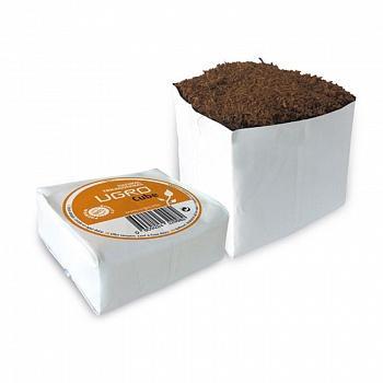 Кокосовый субстрат UGro Cube 800 мл UGro Cube — это небольшой блок кокосового субстрата с низким содержанием кокосовых волокон, упакованный в мягкий пластиковый контейнер для выращивания (grow bag). В основании контейнера предусмотрены отверстия, позволяющие корневой системе растения свободно прорастать и развиваться. UGro Cube может быть использован самостоятельно или в сочетании с UGro Slab.